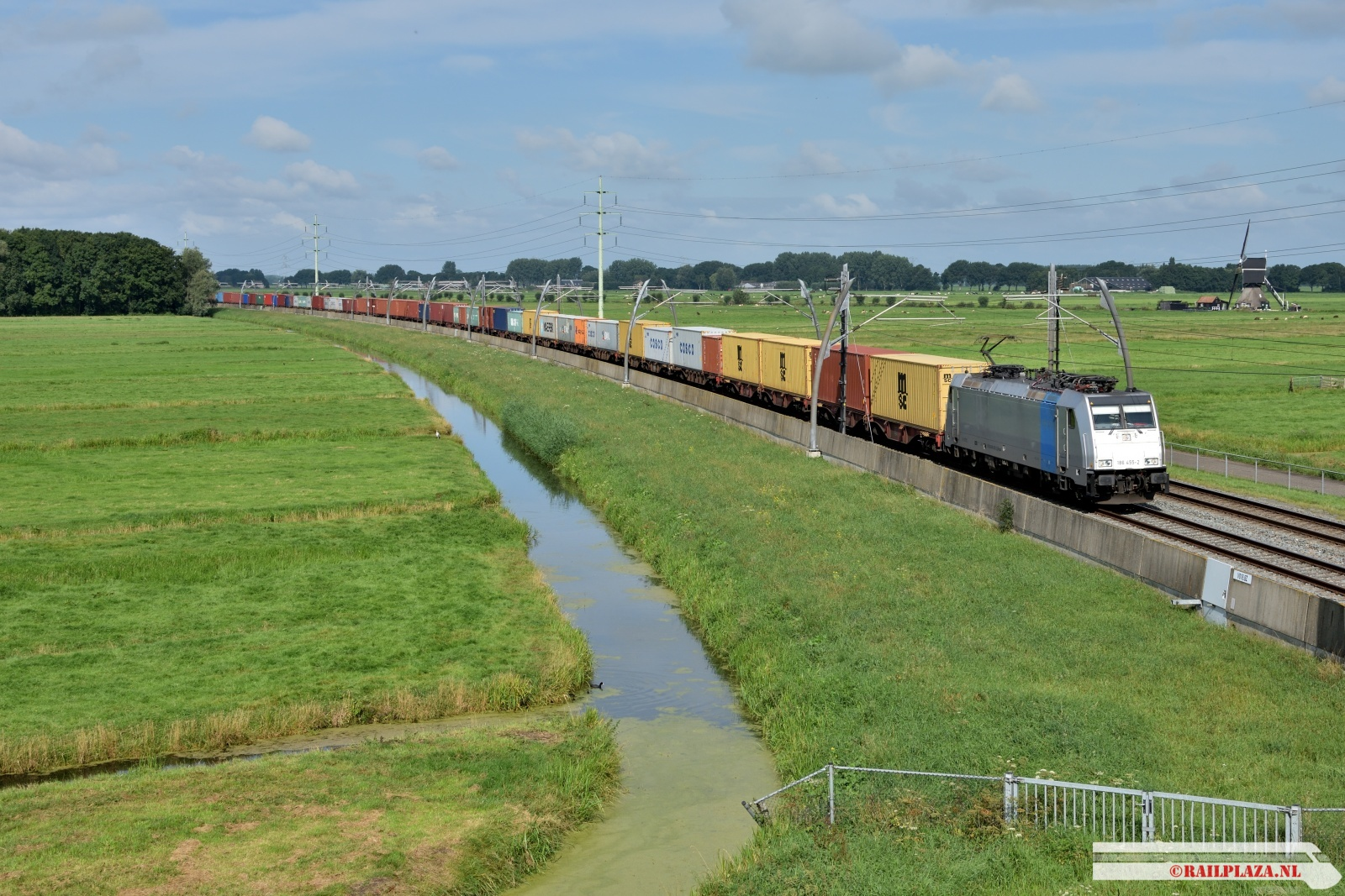 186 455 - Hardinxveld-Giessendam